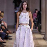 Traje de camisa y falda larga de la colección de primavera/verano 2016 del desfile de Carolina Herrera en la Nueva York Fashion Week