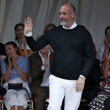 Petter Copping presentando la nueva colección primavera/verano 2016 de Oscar de la Renta en la New York Fashion Week