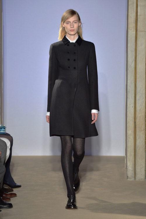 Abrigo negro con botones de la colección otoño/invierno 2015/2016 de Fay
