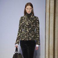 Abrigo de estampado militar de la colección otoño/invierno 2015/2016 de Fay