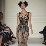 Vestido largo ajustado de la colección de primavera/verano 2016 de Marchesa en Nueva York Fashion Week