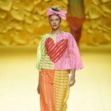 Vestido de colores con corazón de Ágatha Ruiz de la Prada para primavera/verano 2015 en Madrid Fashion Week