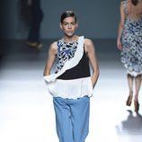 Conjunto azul estampado de Ángel Schlesser para primavera/verano 2015 en Madrid Fashion Week