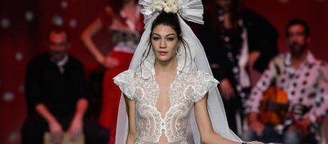 Vestido de novia de encaje de Francis Montesinos para primavera/verano 2016 en Madrid Fashion Week