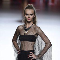 Conjunto negro con tul de Francis Montesinos para primavera/verano 2016 en Madrid Fashion Week