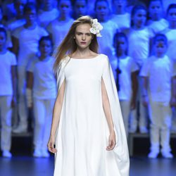 Vestido blanco largo de Duyos para primavera/verano 2015 en Madrid Fashion Week