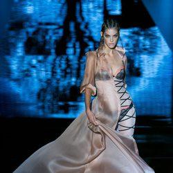Gabardina de seda de Andrés Sardá para primavera/verano 2016 en Madrid Fashion Week