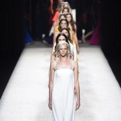 Carrusel del desfile de Juanjo Oliva para primavera/verano 2015 en Madrid Fashion Week