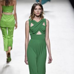 Conjunto verde de Juanjo Oliva para primavera/verano 2015 en Madrid Fashion Week