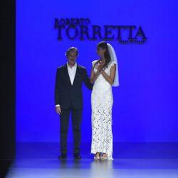 Desfile de la colección primavera/verano 2016 de Roberto Torretta en la Madrid Fashion Week