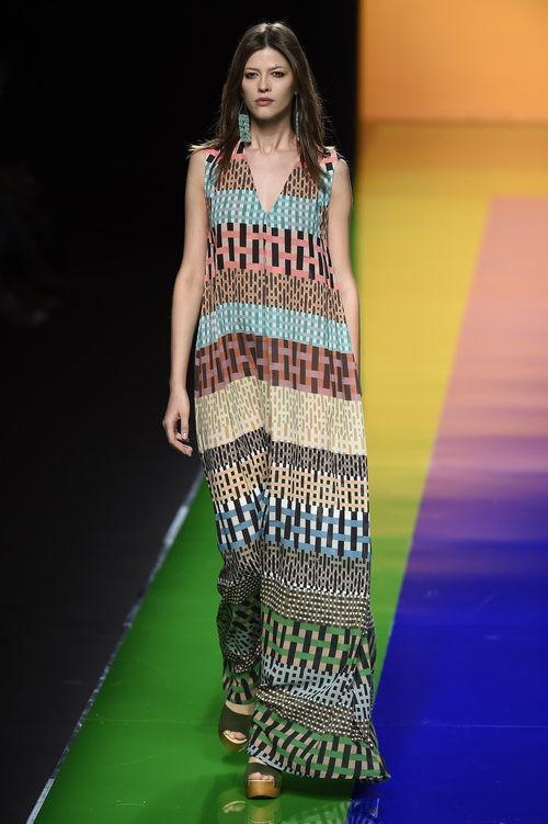 Vestido en tonos nude de la colección de primavera/verano 2016 de Ailanto en Madrid Fashion Week