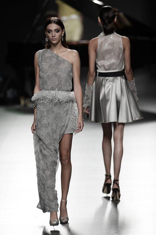 Vestido gris de Ion Fiz para primavera/verano 2016 en Madrid Fashion Week