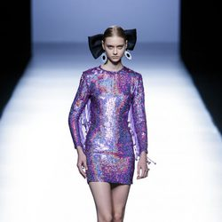 Vestido morado de María Escoté primavera/verano 2016 en Madrid Fashion Week
