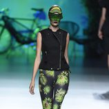 Conjunto jungle print y negro de Maya Hansen primavera/verano 2016 en Madrid Fashion Week