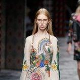 Vestido nude de primavera/verano 2016 de Gucci en Milan Fashion Week