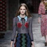 Vestido midi de rayas de primavera/verano 2016 de Gucci en Milan Fashion Week