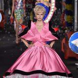 Vestido rosa de Moschino en la Milan Fashion Week primavera/verano 2016