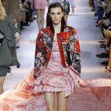 Vestido rojo y blanco de la colección primavera/verano 2016 de Roberto Cavalli en Milan Fashion Week