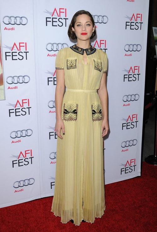 Marion Cotillard con vestido amarillo en los AFI AWARDS 2014