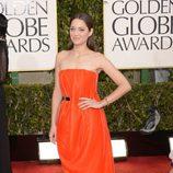 Marion Cotillard con vestido rojo en los Globos de Oro 2013