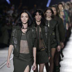 Desfile de la colección de primavera/verano 2016 de Versace en Milan Fashion Week