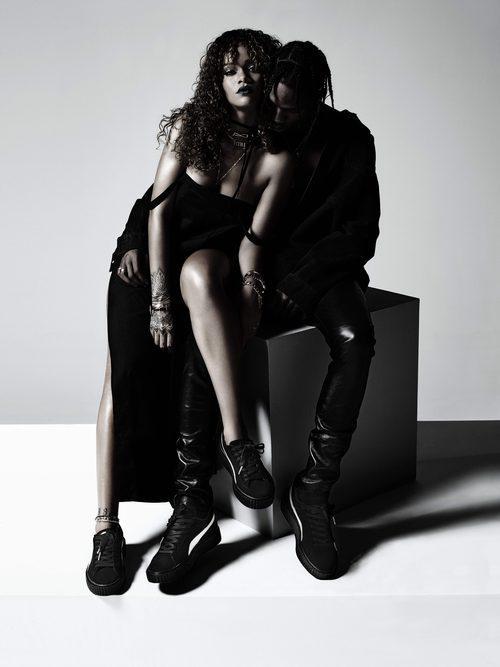Rihanna posando como imagen de su nueva colección de zapatillas Puma