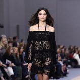 Vestido negro de la colección primavera/verano 2016 de Chloé en Paris Fashion Week