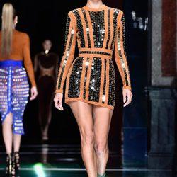 Desfile de la colección primavera/verano 2016 de Balmain en Paris Fashion Week