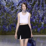 Falda corta negra de la colección primavera/verano 2016 de Dior en Paris Fashion Week