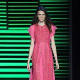Vestido largo rosa de la colección de primavera/verano 2016 de Elie Saab en París Fashion Week