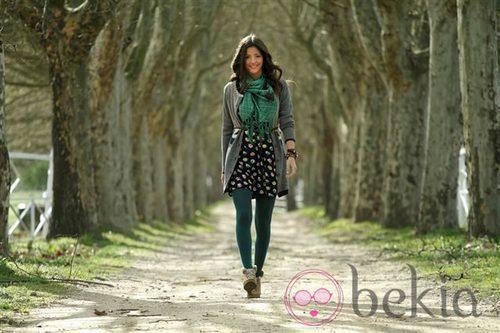 Malena Costa pasea con ropa de la colección otoño/invierno 2011 de Indiwoman by Individual