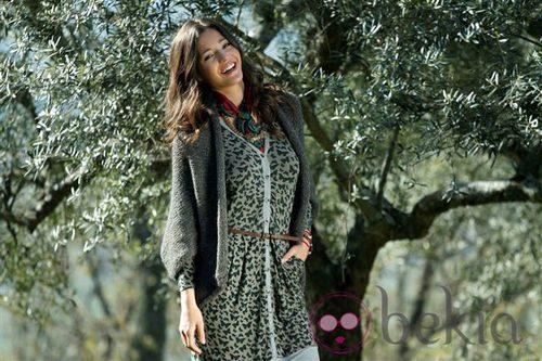 Malena Costa con un diseño de la colección otoño/invierno 2011 de Indiwoman by Individual