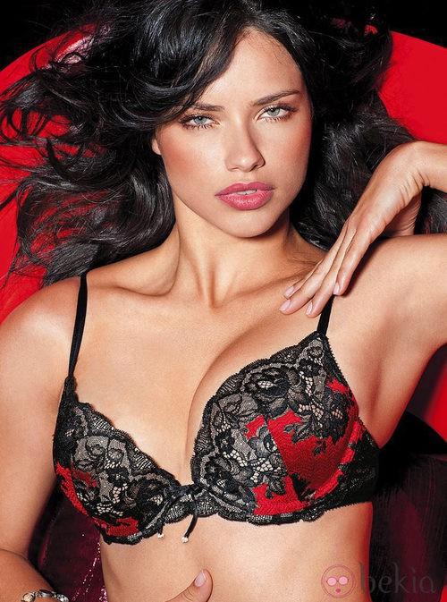 Adriana Lima sube la temperatura en la colección de lencería otoño 2011 de Victoria´s Secret