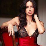 Adriana Lima, muy sexy en la colección de lencería otoño 2011 de Victoria´s Secret