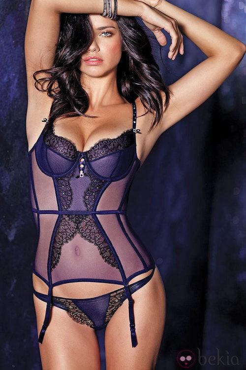 Adriana Lima, sensual en la colección de lencería otoño 2011 de Victoria´s Secret