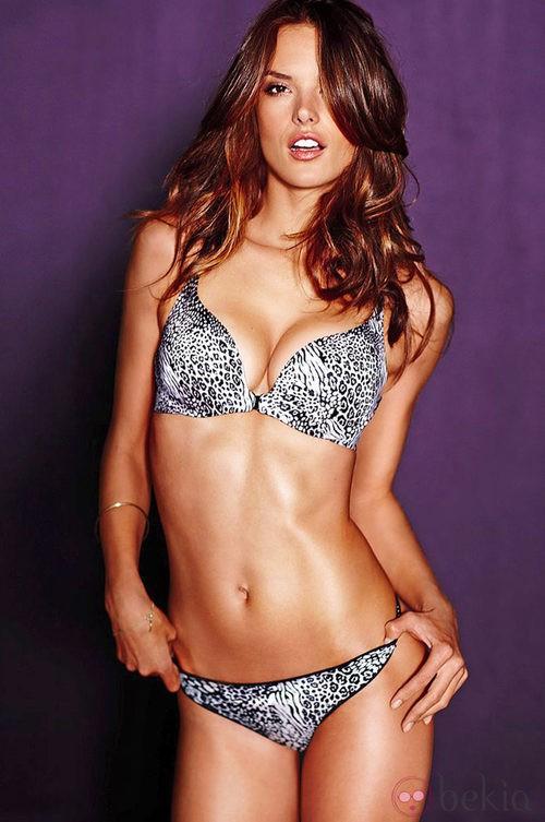Alessandra Ambrosio, imagen de la colección de lencería otoño 2011 de Victoria´s Secret