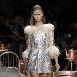 El desfile de Manish Arora en París apuesta por prendas artesanales