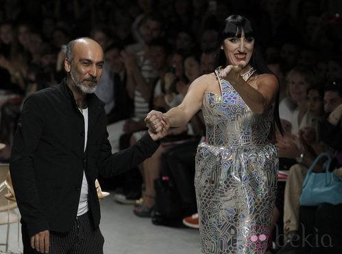 Rossy de Palma, estrella invitada al desfile de Manish Arora en París