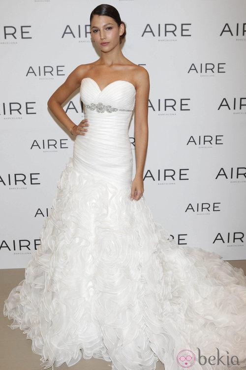 Úrsula Corberó se viste de novia para Aire Barcelona