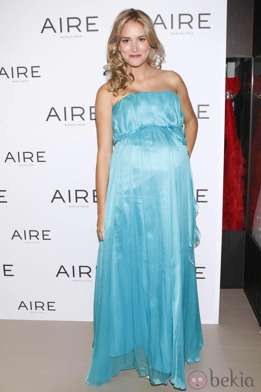 Alba Carrillo con un vestido de fiesta de Aire Barcelona ...