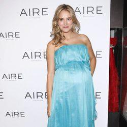 Alba Carrillo con un vestido de fiesta de Aire Barcelona
