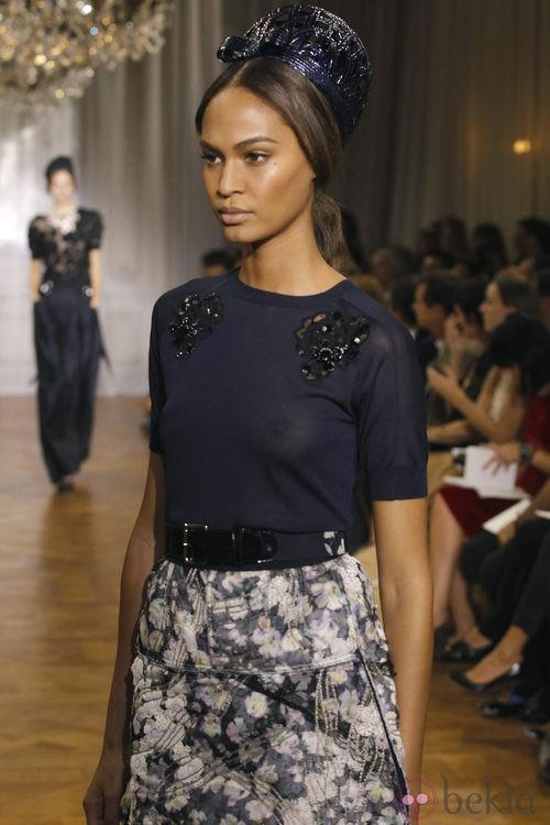 Falda estampada de la colección primavera/verano 2012 de Nina Ricci en París