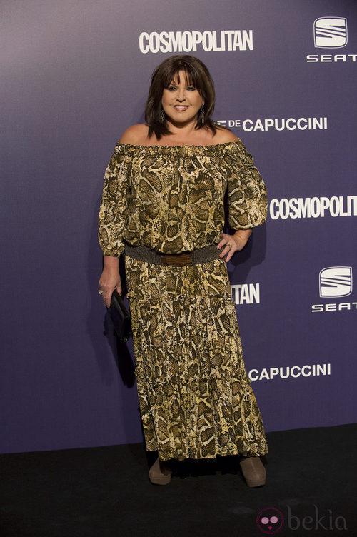 Estilismo de Loles León con un vestido print, en la Gala Cosmopolitan Fun Fearless Female 2011