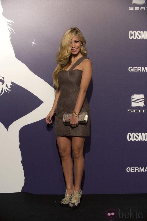 Estilismo de la cantante Natalia en la Gala Cosmopolitan Fun Fearless Female 2011