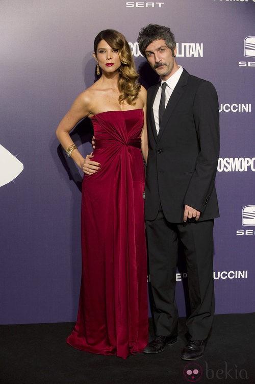 Estilismo de Juana Acosta y Ernesto Alterio en los Premios Cosmopolitan Fun Fearless Female 2011