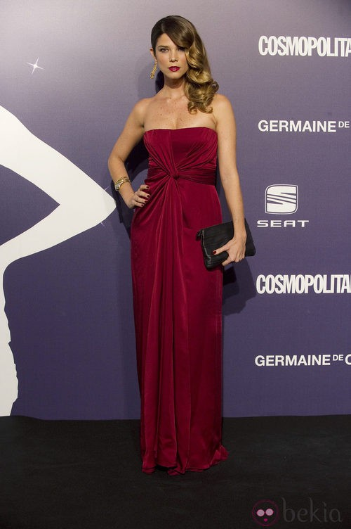 Estilismo de Juana Acosta en los Premios Cosmopolitan Fun Fearless Female 2011
