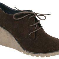 Zapatos de ante con cuña de la colección otoño/invierno 2011/2012 de Alex Silva
