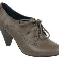 Zapatos de tacón con cordones de la colección otoño/invierno 2011/2012 de Alex Silva