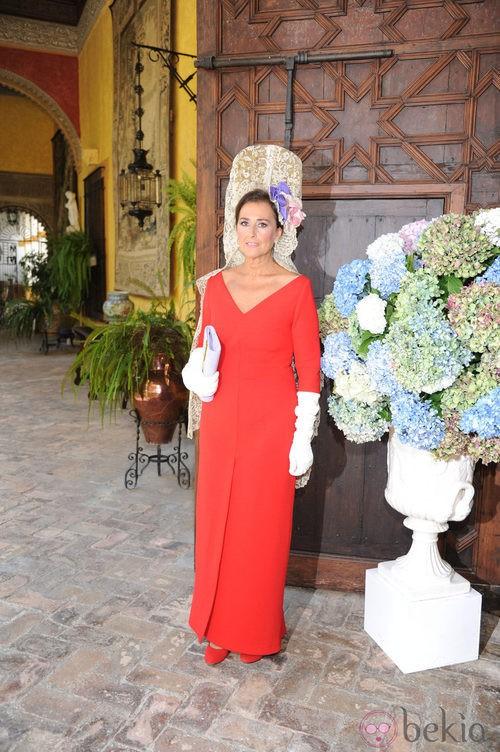Looks Boda Duquesa de Alba: Carmen Tello, el estilismo de la madrina