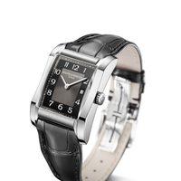 Reloj con correa negra de la colección Hampton de la firma Baume & Mercier